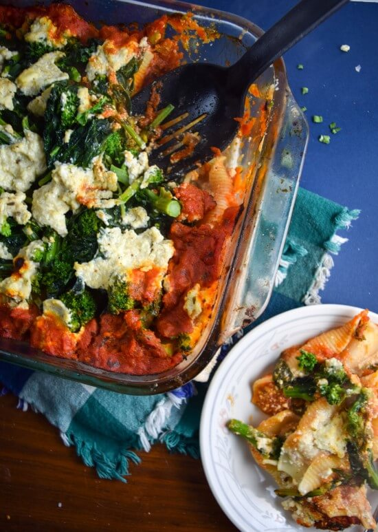 Baked Broccoli Rabe and Cauliflower Stuffed Shells   yupitsvegan.com. Hearty #vegan pasta bake, packed with veggies and perfect for leftovers.