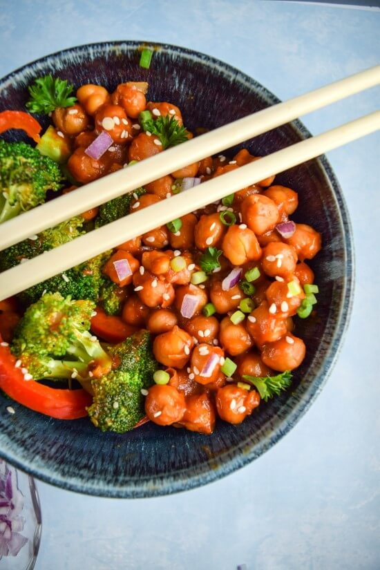 General Tso's Chickpeas | Yup, it's Vegan
