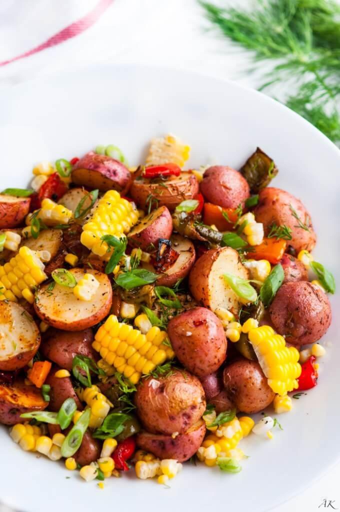 30 Vegan One Pot Recipes | yupitsvegan.com. Including this roasted potato bake!
