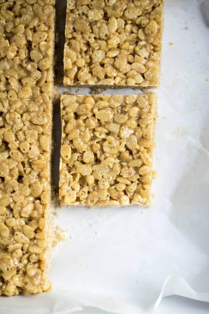White Chocolate Almond Butter Rice Crispy Treats | Yup, it's Vegan
