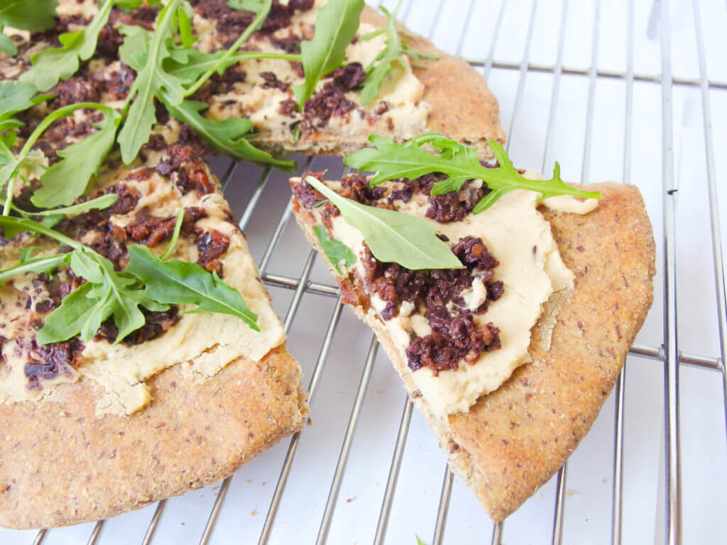 Arugula, Hummus and Olive Tapenade Flatbread - Yup, it's Vegan