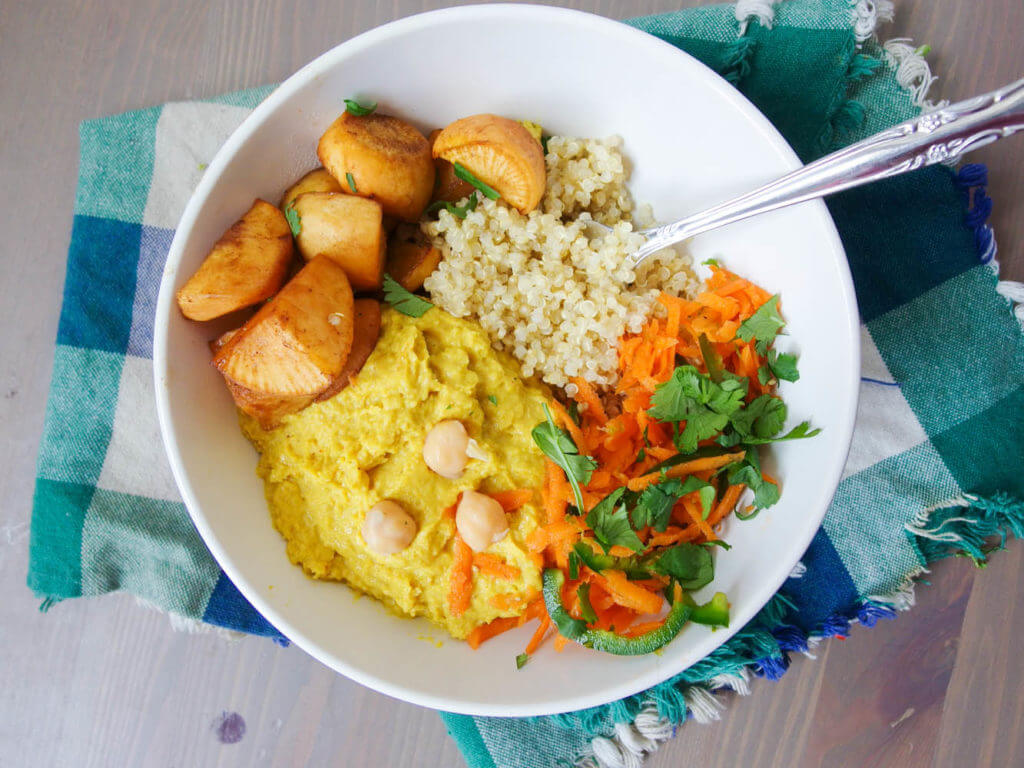 Mango Curry Hummus Quinoa Bowls - Yup, it's Vegan