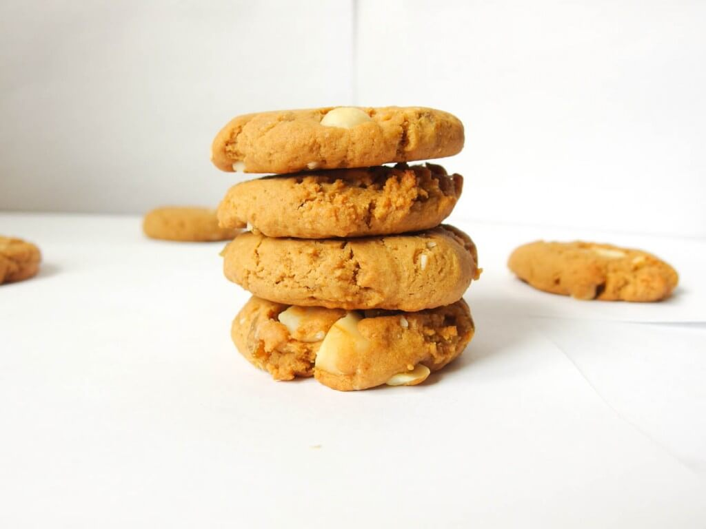 Chewy Coconut Butter Cookies with Macadamia Nuts and Candied Ginger - Yup, it's Vegan