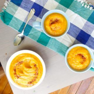Smoky and Spicy Roasted Acorn Squash Soup