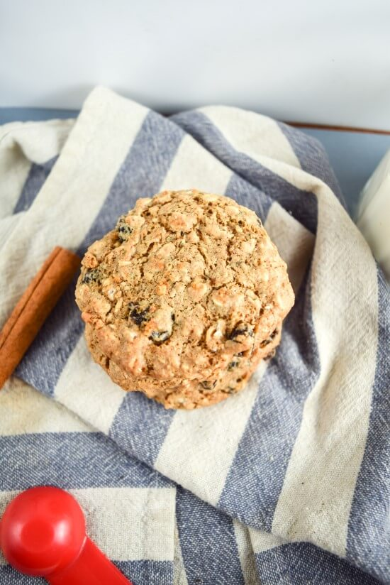 Rich with healthy fats! Hemp seeds, walnuts, and coconut oil bring a delicious nutty, rustic flavor to the chewiest ever vegan oatmeal raisin cookie with a molasses sweetness and spicy cinnamon
