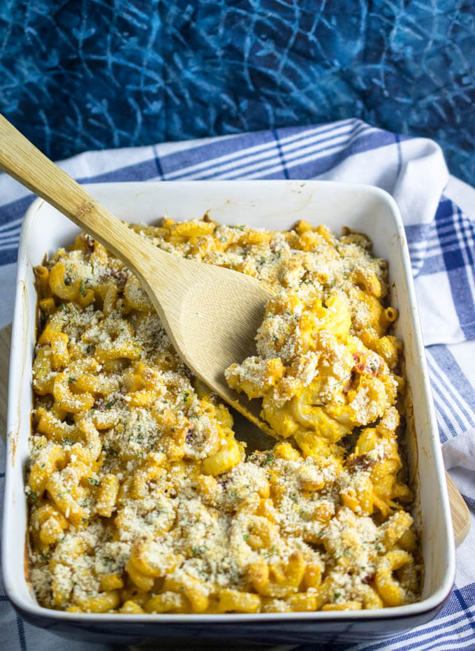 Vegan Baked Mac and Cheese | Yup, it's Vegan. Hearty baked vegan mac and cheese made from scratch, with a luscious dairy-free roasted red pepper cheese sauce. Gluten-free, soy-free, and oil-free options.