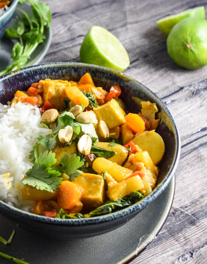 Pineapple, Peanut and Potato Curry | Yup, it's Vegan
