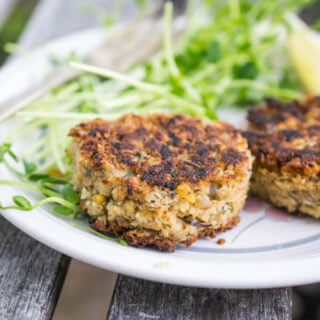 Crab-free Chickpea and Dill Cakes