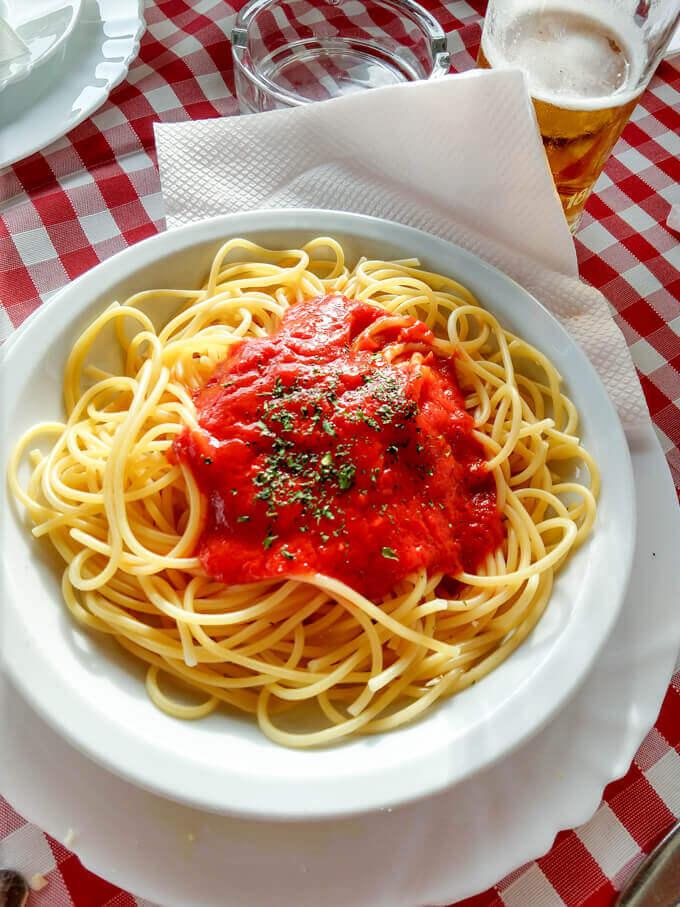 Vegan spaghetti napolitano in Senj, Croatia